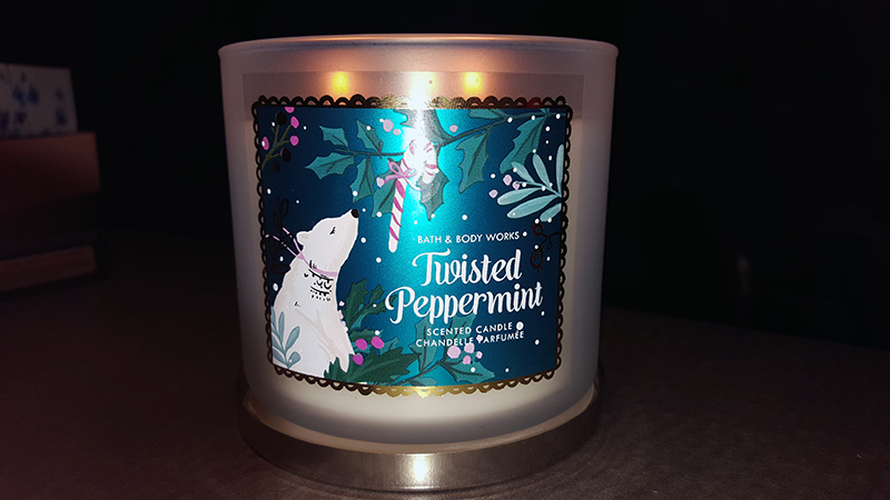 Bath and Body Works Twisted Peppermint Candle Review